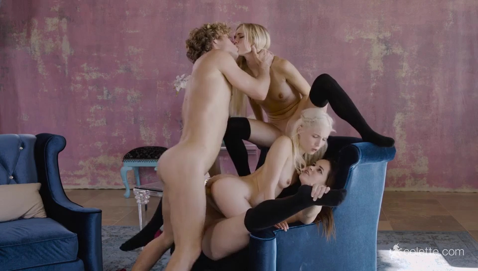 Foursome: Lucky Guy Fucking 3 girls at once